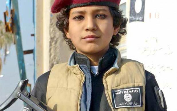 بمباران مواضع داعش، فقط این گروه تروریستی را خوشحال می کند!